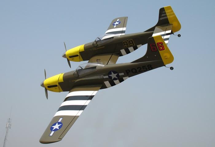 P 82 Twin Mustang 40 Miniplanes