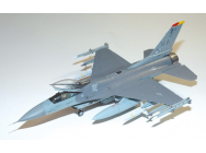 F-16CJ Fighting Falcon Tamiya 1/48 - TAM-61098