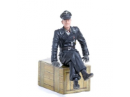 Figurine 1/16e Commander Michael Wittmann Sitting - 222285114