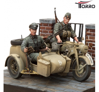 Motorcycle Zundapp KS-750 with Sidecar & 2Troopers TBC 1/16 Kit - 2222000183