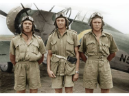 Gloster Gladiator Mk.I with British Pilots in Tropical Uniform - 1:32e - ICM - 32043